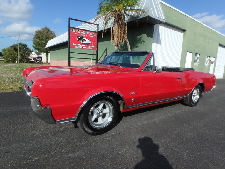 Used 1967 Oldsmobile Cutlass Convertible for sale $14,900 at Rose Motorsports, Inc. in Fort Myers FL